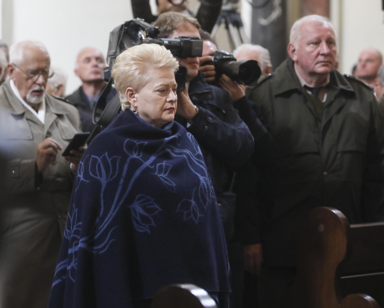 D. Grybauskaitė: mes laidojame savo didvyrį, savo laisvės kovotoją