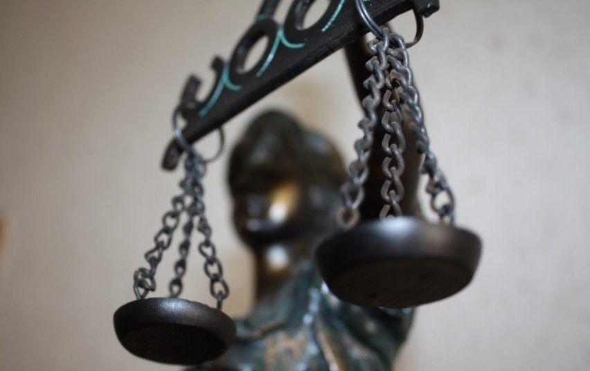 Teismas nagrinės naftos užteršimu įtariamo ruso skundą dėl suėmimo