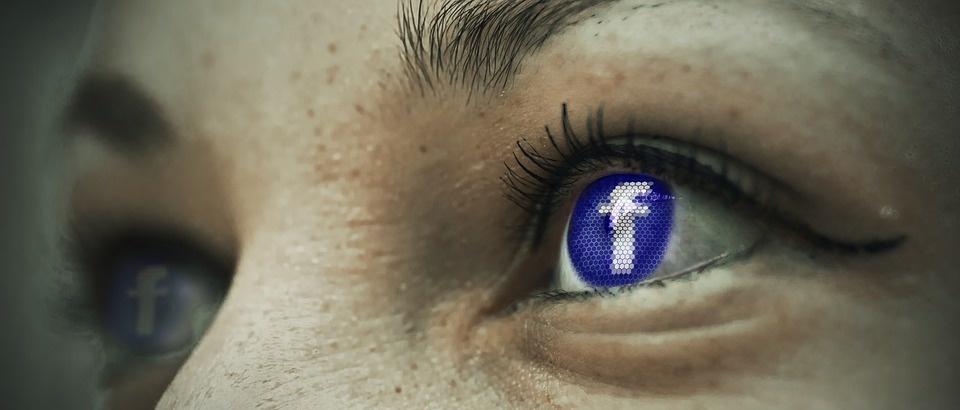 """Europarlamentarai reikalauja išsamaus """"Facebook"""" duomenų apsaugos audito"""
