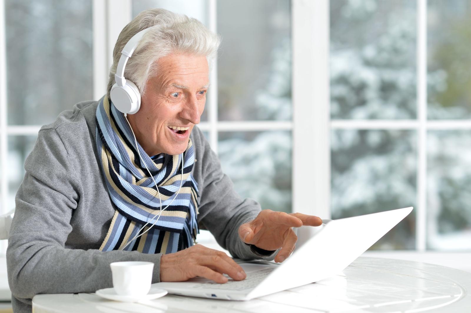 Patarimai, kaip namų pramogas pritaikyti vyresnio amžiaus žmonėms