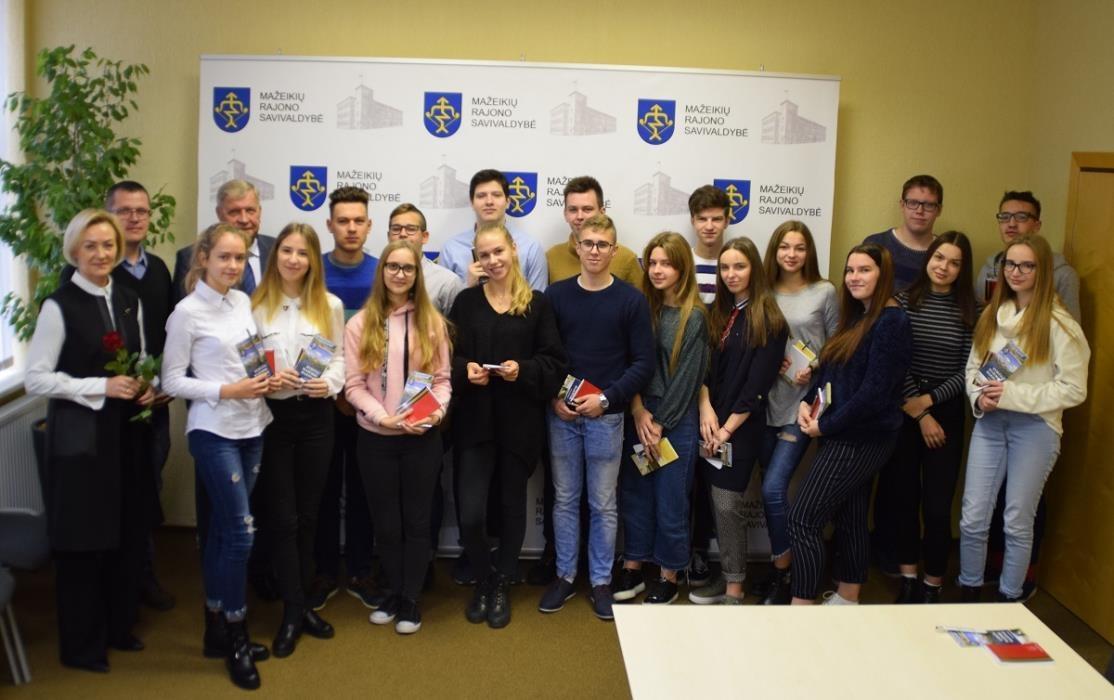 M. Račkausko gimnazistai susipažino su Savivaldybės darbu