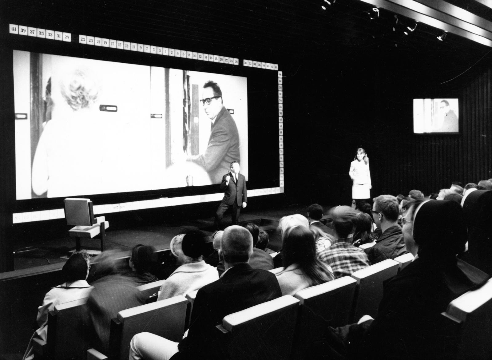 """Pirmasis pasaulyje interaktyvus filmas """"Kinoautomat"""" – Šiauliuose!"""