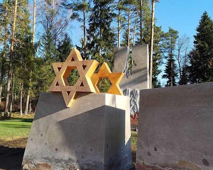 Vandžiogaloje – memorialas nužudytiems žydams