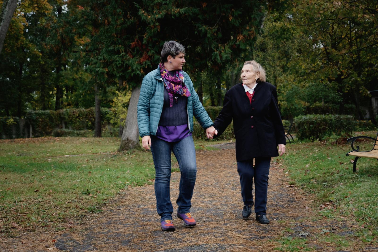 Atokvėpis slaugantiems - pagalba šiauliečiams, prižiūrintiems savo artimuosius