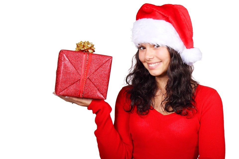 Kalėdinių dovanų paieška prasideda: šiemet laimės daiktai ar įspūdžiai?