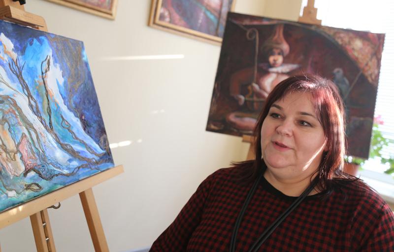 Aukštaitės menininkės kūrybai originalumo teikia lietuviški linai