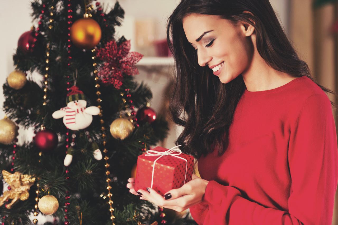 Kalėdinės dovanos moterims: 9 geriausios idėjos iki 30 eurų 2018 m. šventėms