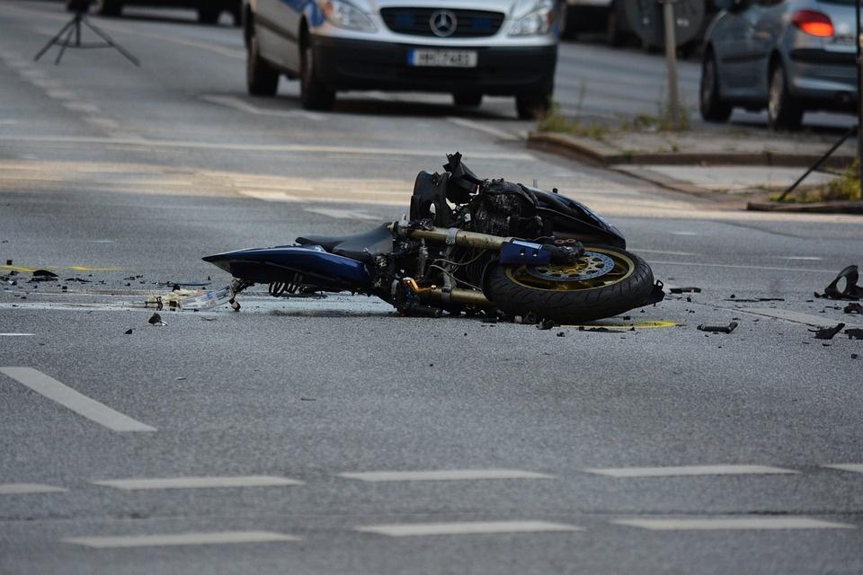 Šakių rajone per avariją žuvo motociklo vairuotojas