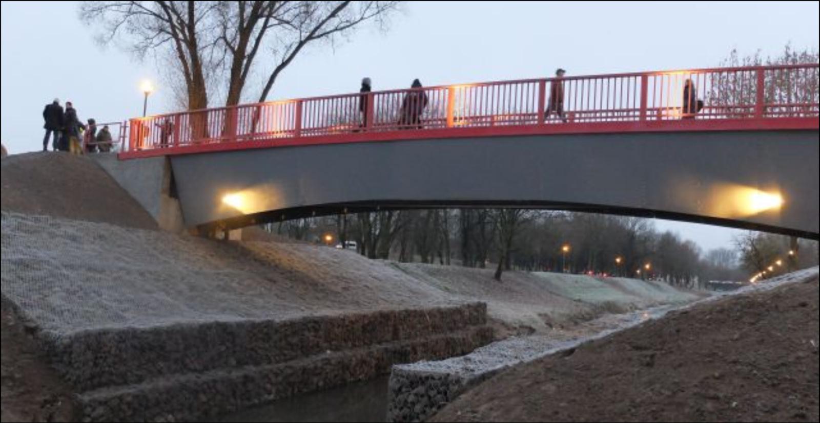 Atnaujintas daugiau kaip prieš 50 metų statytas tiltas per Smilgos upelį