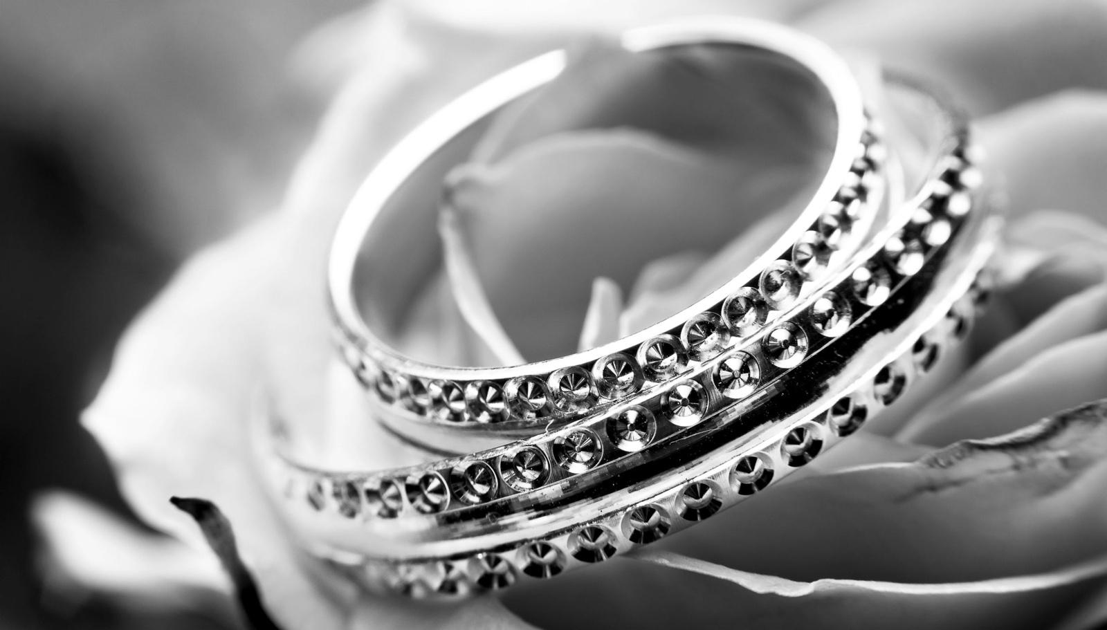 Iš molėtiškio pavogti juvelyriniai dirbiniai
