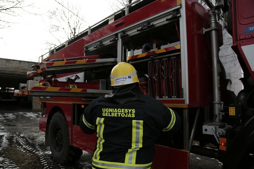 """""""Laikštės"""" garažų bendrijoje darbavosi gaisrininkai"""