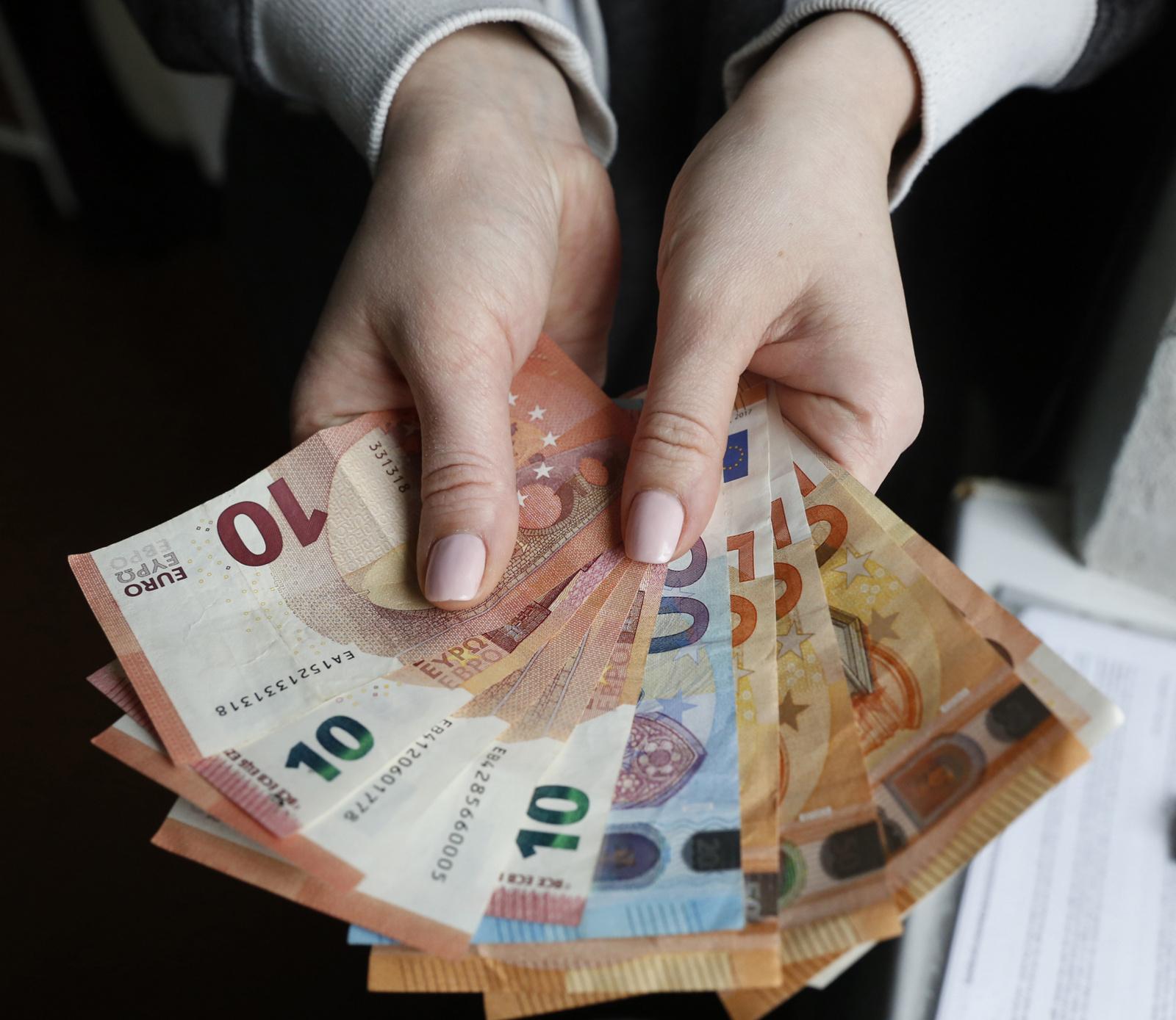 Seime – vaiko pinigų didinimas