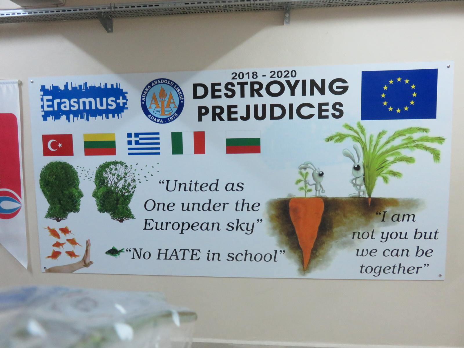 """Susitikimas su Erasmus+ strateginės partnerystės projekto """"Destroying predujices"""" partneriais"""