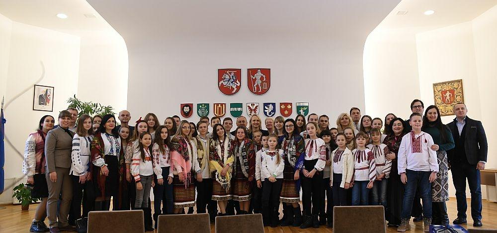 Ukrainos vaikai atnešė gerumo dovanų