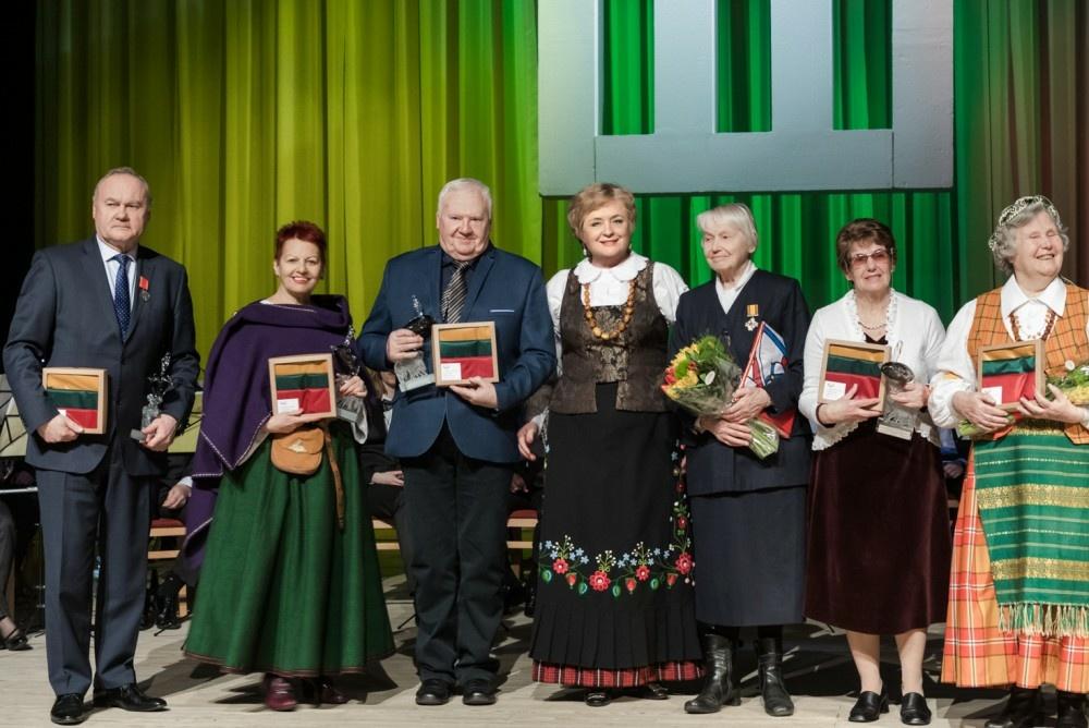 Kviečia teikti kandidatūras Vasario 16-osios apdovanojimams
