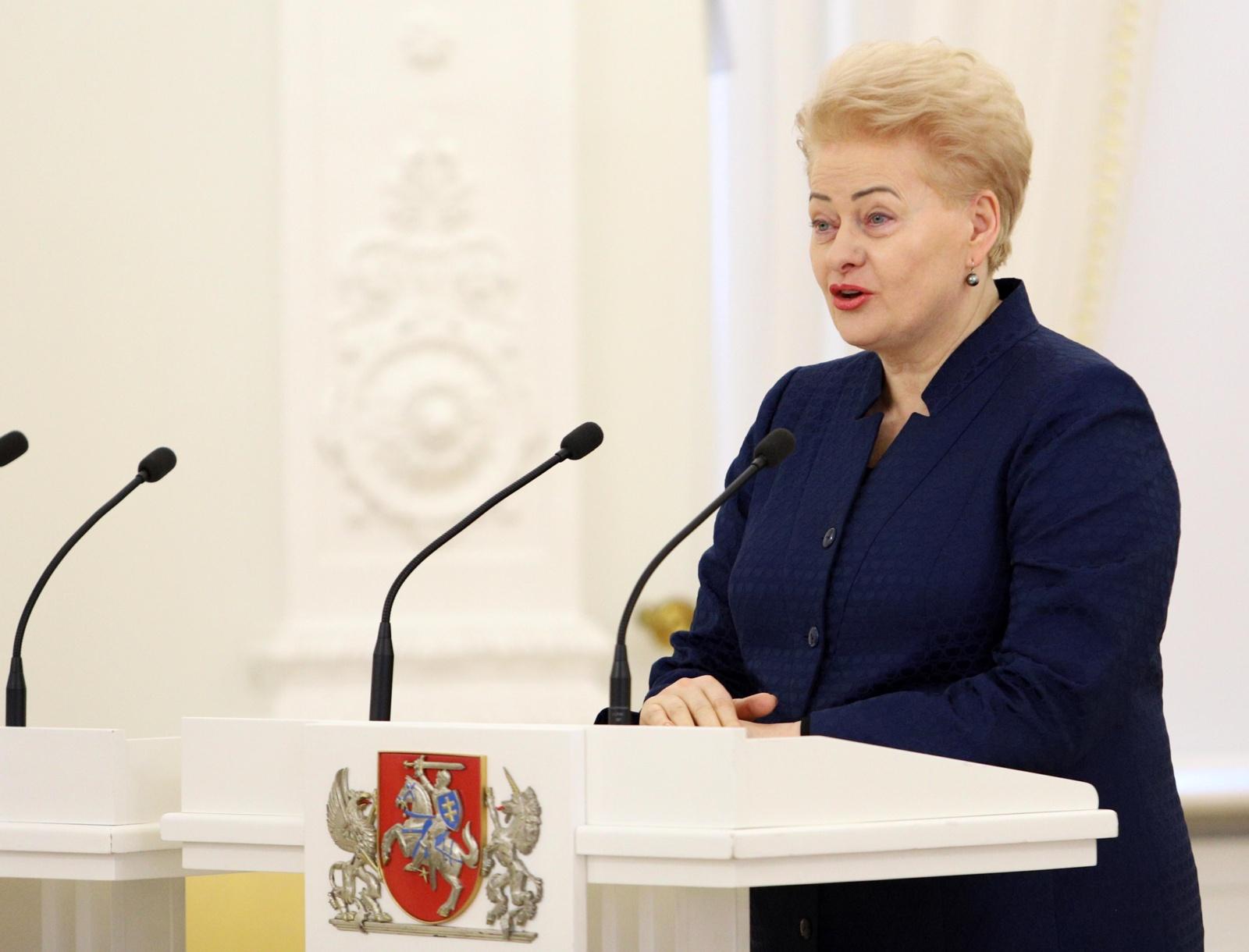 Tarp trijų galimų kandidatų užimti NATO vadovo pareigas įvardijama ir D. Grybauskaitė