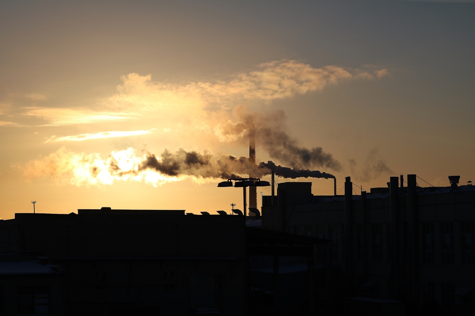 Anglies dvideginio emisija pirmąjį pusmetį sumenko 8,8 procento, to poveikis klimatui nebus svarus