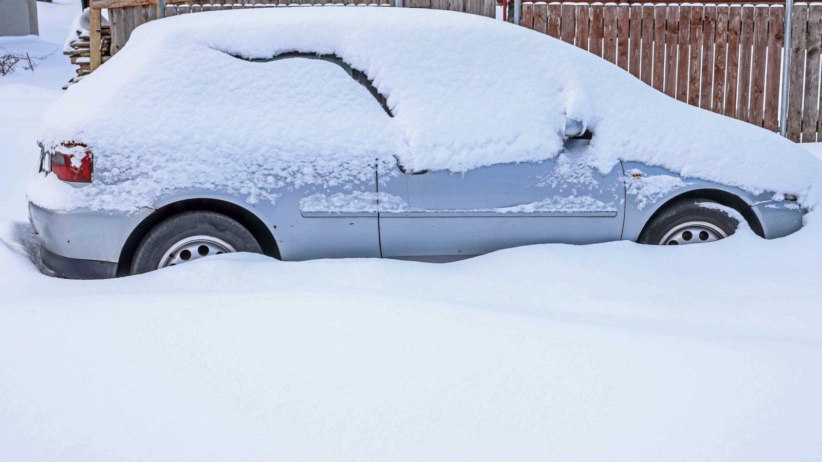 Sinoptikai žada gausų sniegą: kokios klaidos kelyje tokiu oru gali kainuoti itin brangiai?
