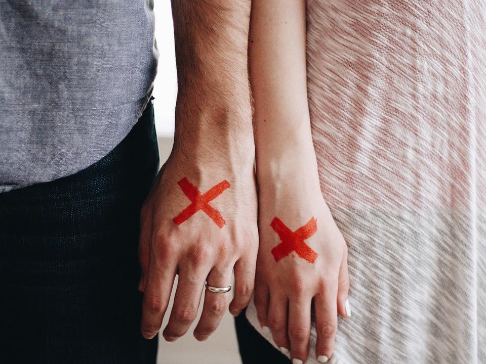 """Kodėl """"nesiklijuoja"""" santykiai: 3 klastingos priežastys"""