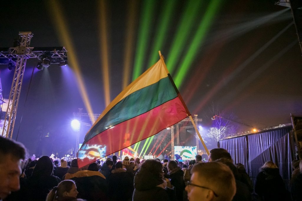 Vilnius švęs Laisvę – eitynės, 70 laužų, koncertai ir trispalvėm nušvitusi sostinė