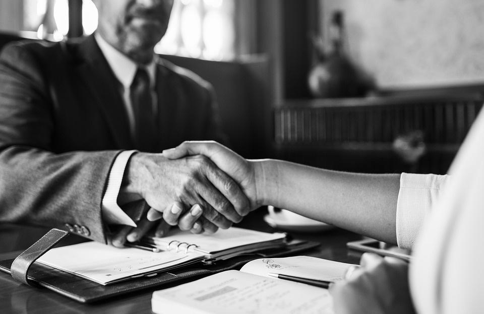 Seimas spręs, ar įpareigoti darbo skelbimuose nurodyti siūlomą algą