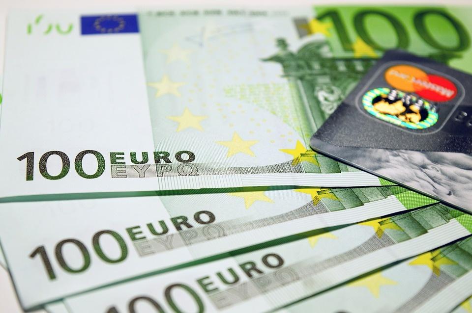 Tarptautinėse rinkose Lietuva pasiskolino pigiausiai per visą šalies istoriją