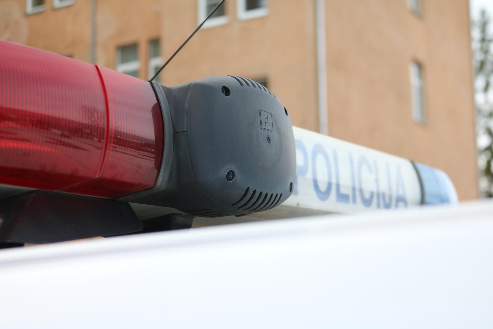 Kaune iš parduotuvės pavogta 30 telefonų