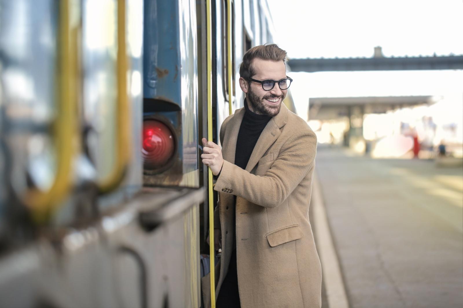 Traukinių į kitus miestus tvarkaraštis