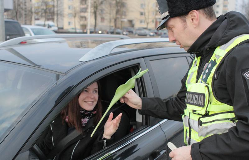 Kovo 8-osios proga – pareigūnų dėmesys vairuotojoms