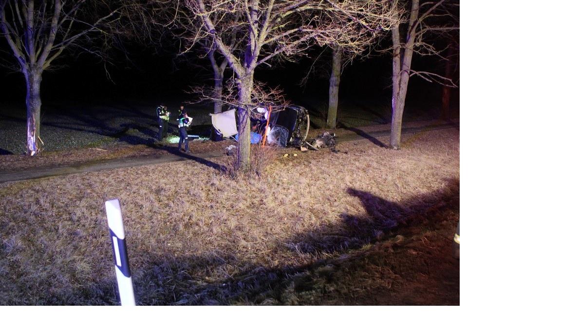 Vairuotoją pražudė bandymas aplenkti kitą automobilį