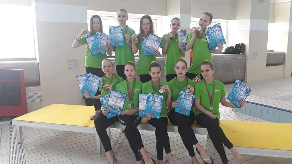 Iš Baltarusijos dailiojo plaukimo sportininkės grįžo nugalėtojomis