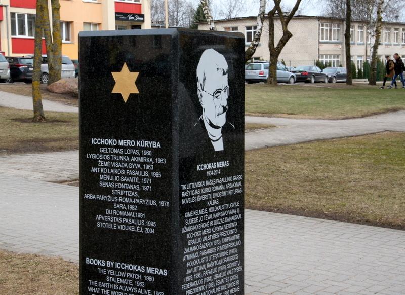 Kelmėje atidengtas Icchoko Mero paminklas