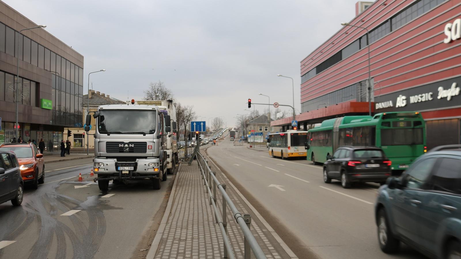 Keletą savaičių bus ribojamas transporto eismas miesto centre (vaizdo reportažas)
