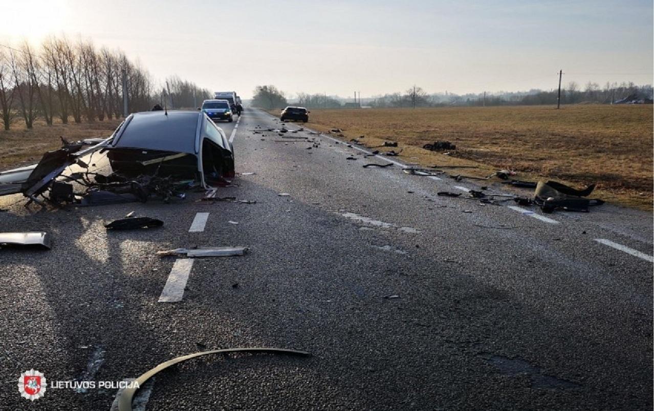 Per savaitę Lietuvos keliuose žuvo du žmonės, 62 sužeisti