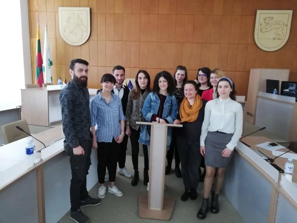 Atstovai iš Gruzijos domėjosi Raseinių rajono jaunimo politika