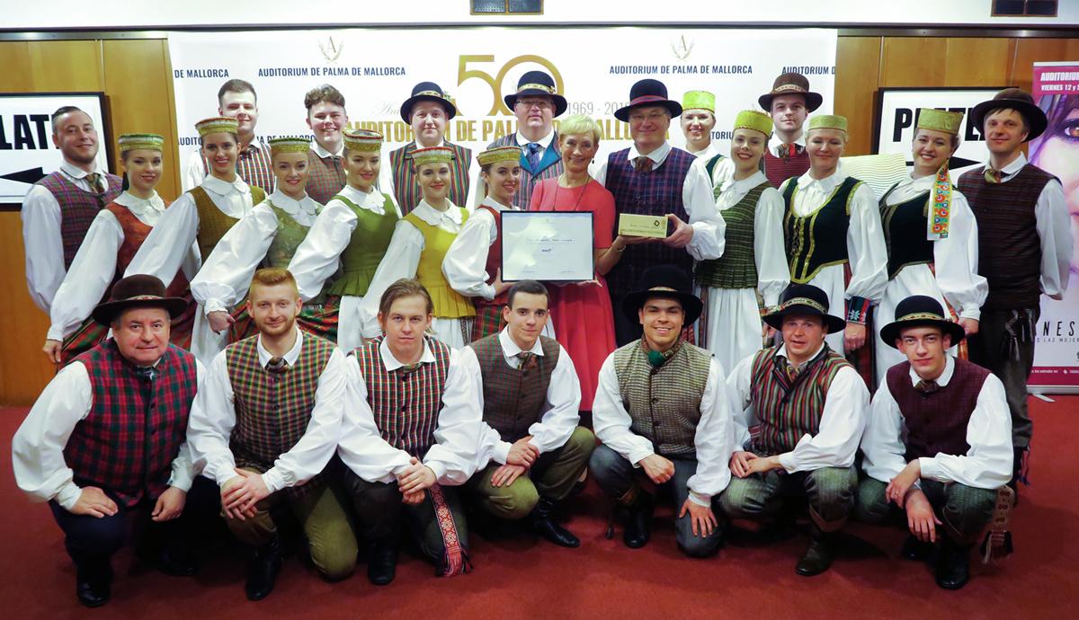 """Saulės"" ansamblis tapo tarptautinio konkurso ""Mallorca World Folk Festival 2019"" laureatu"
