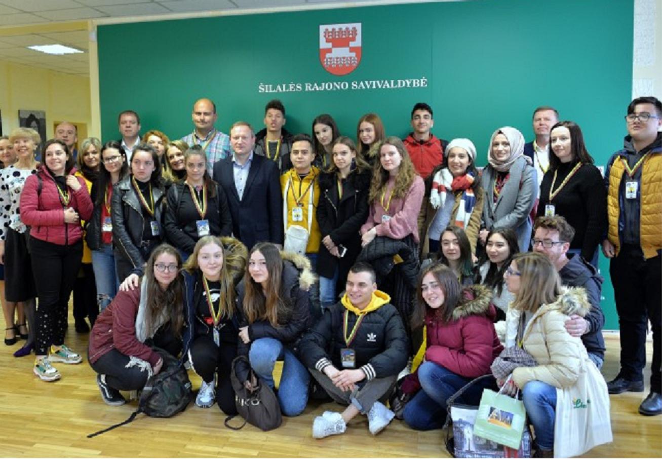 """""""Erasmus"""" mainų programos dalyvių apsilankymas savivaldybėje"""