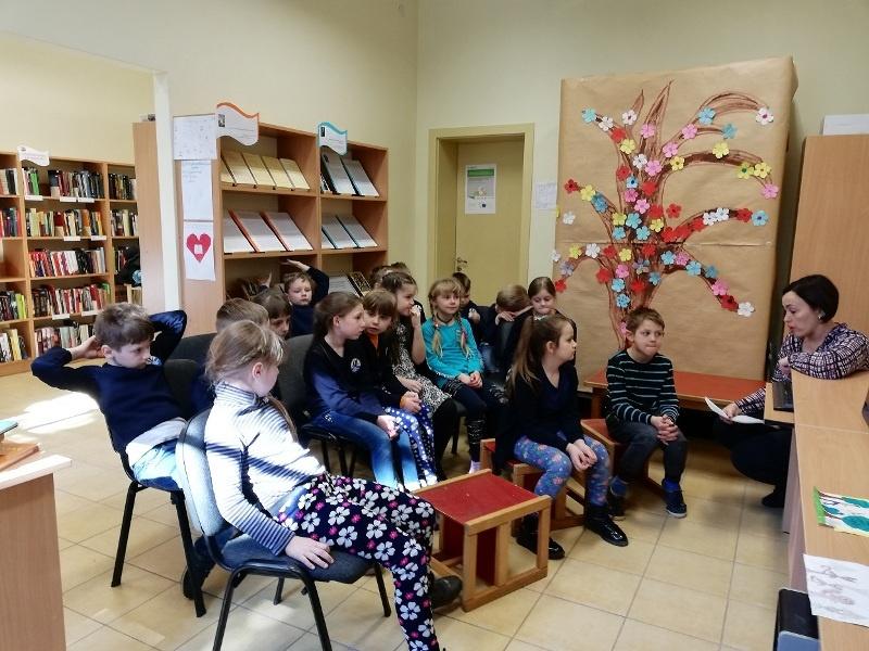 Vilkyškių bibliotekoje – kūrybinis rytmetis ,,Knygele, papasakok...''
