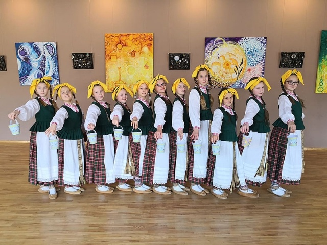 Jaunimą į Gargždus subūrė liaudies šokis