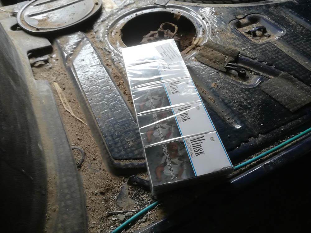 Automobilį cigarečių slėptuve pavertusiam vyrui gresia tūkstantinė bauda