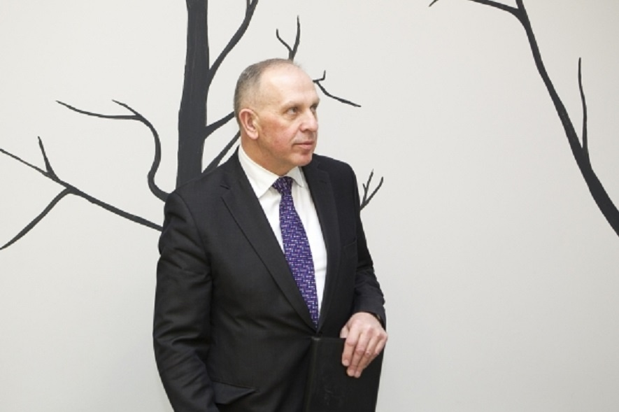 Kaltinimų dėl pažeidžiamumo sulaukęs ambasadorius R. Motuzas atsistatydinti neplanuoja