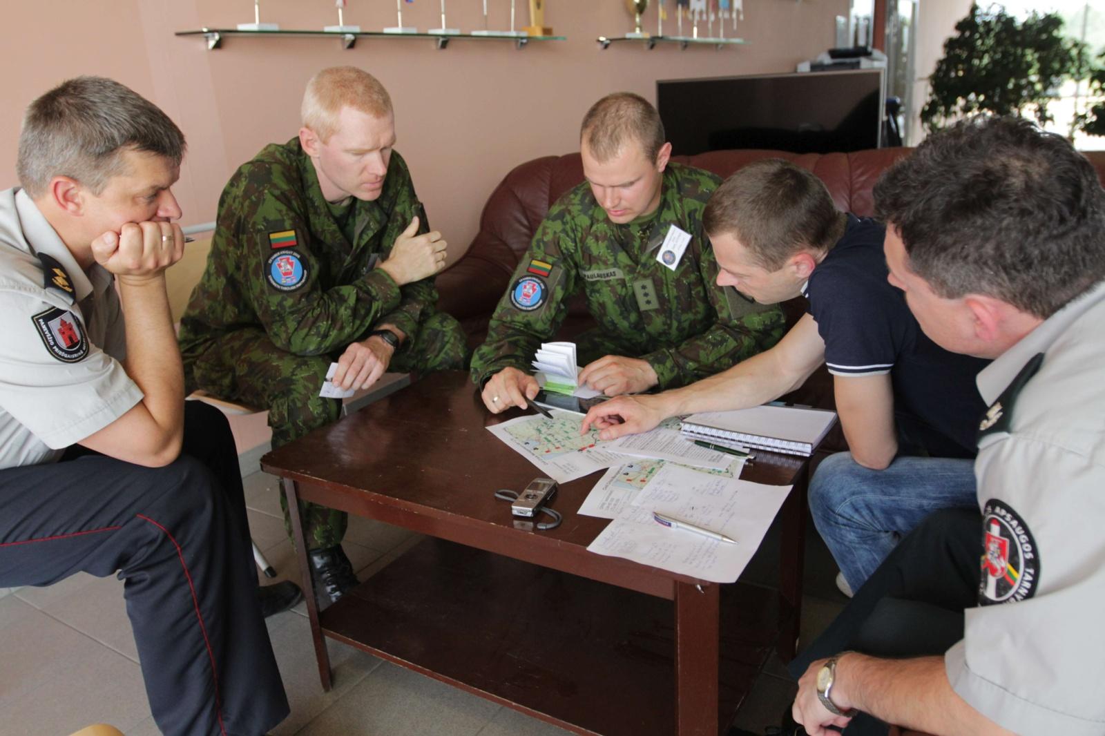 Lietuvoje rengiami karo komendantai