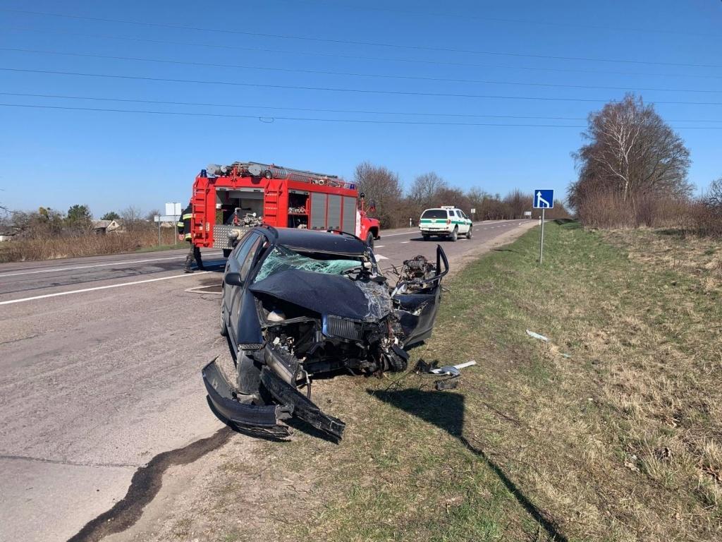 """Kelyje """"Kaunas-Prienai"""" šiurpi avarija: ruože apribotas eismas"""