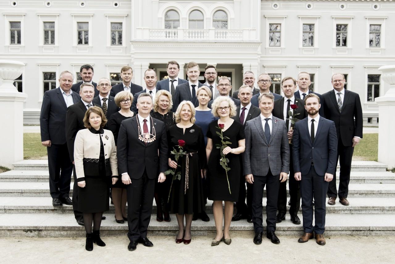 Įvyko pirmasis išrinktos IX šaukimo naujos kadencijos Plungės rajono savivaldybės tarybos posėdis