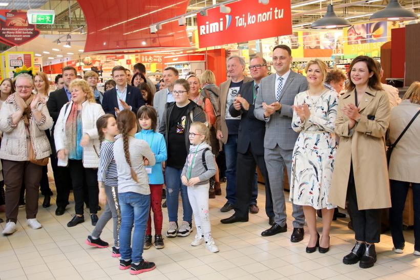 Jaunuosius Lazdijų krašto verslininkus pasveikino merė Ausma Miškinienė