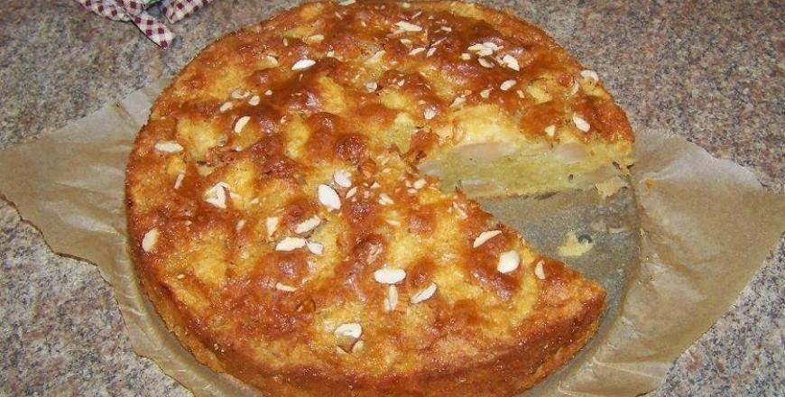 Greitai pagaminamas obuolių pyragas