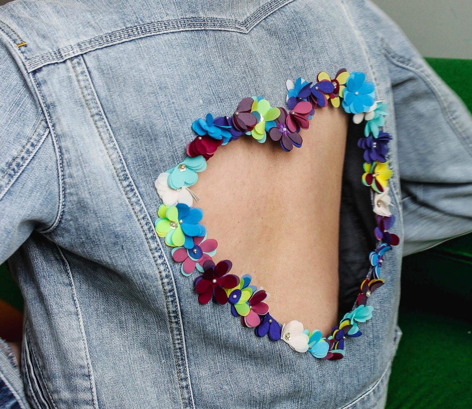 7 būdai, padėsiantys prikelti seną džinsinį rūbą naujam gyvenimui