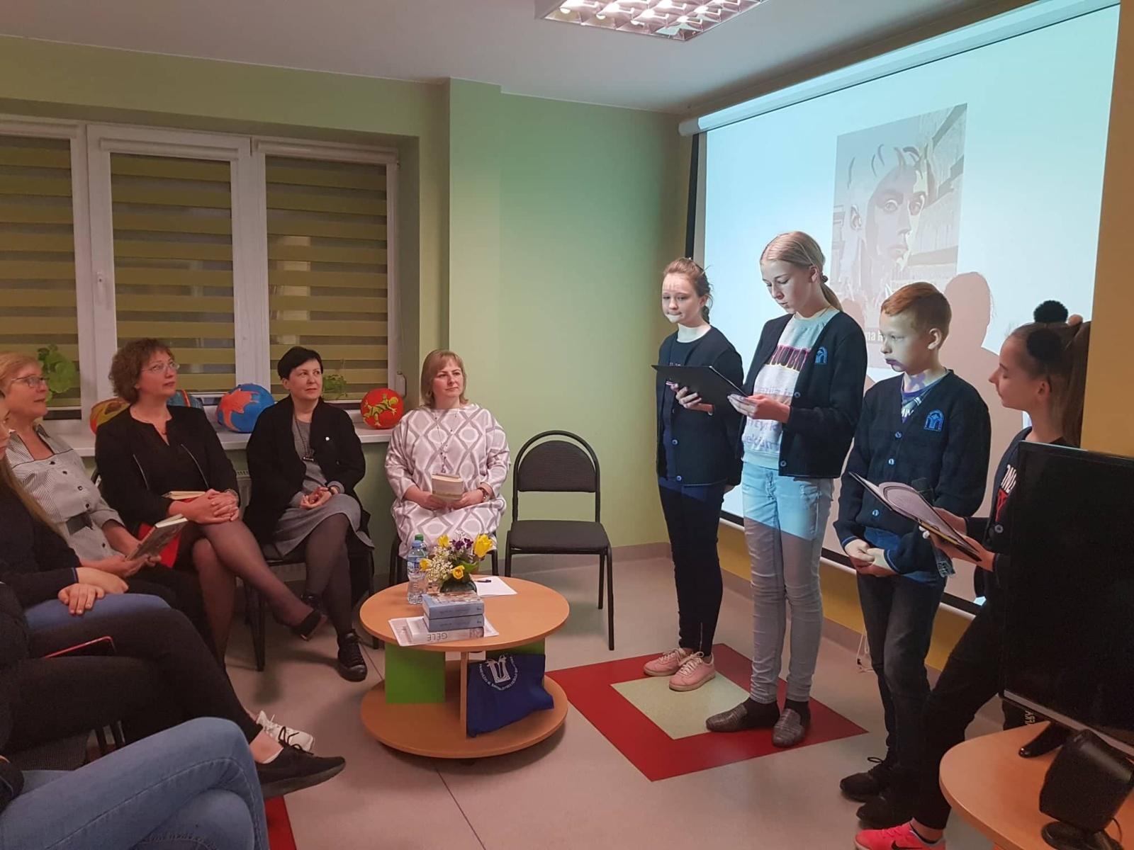 Knygos diena, praleista su paauglių rašytoja
