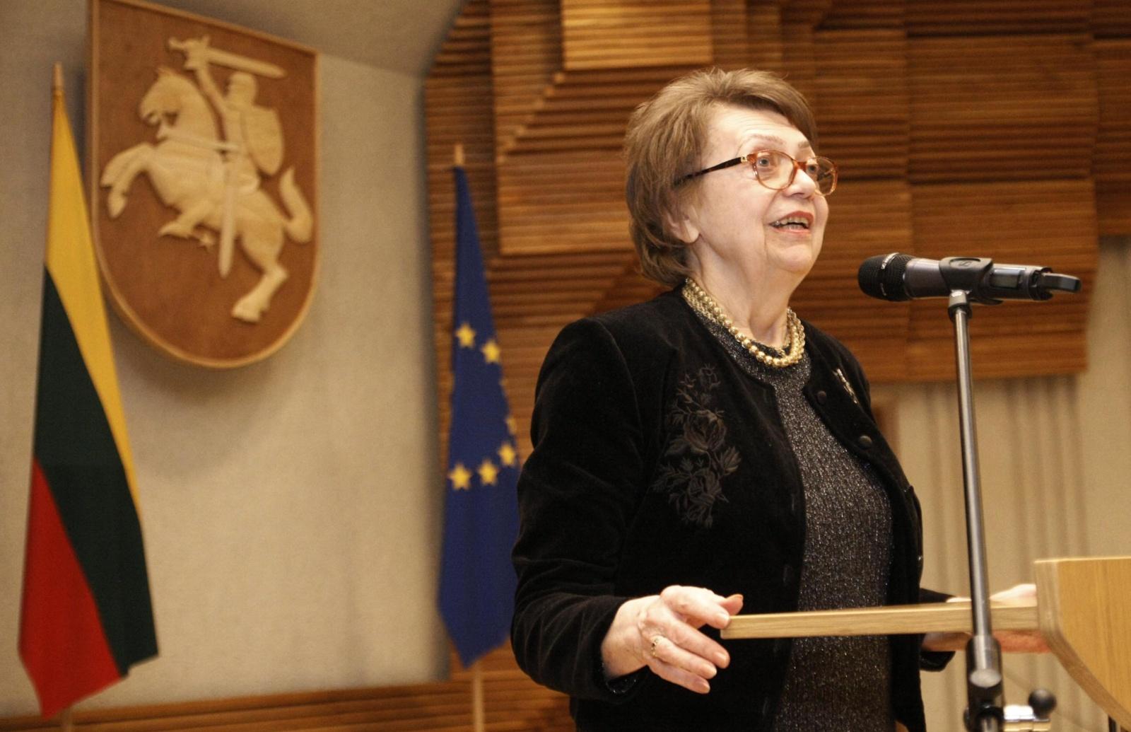 Šalies vadovai pasveikino dainininkę N. Tallat-Kelpšaitę jubiliejaus proga