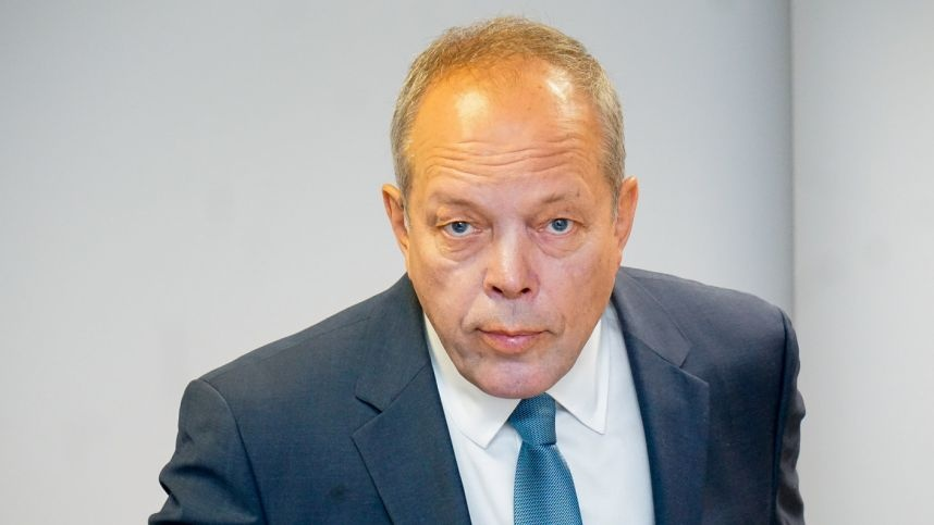 Visagino atominės elektrinės buvęs direktorius pripažintas kaltu dėl piktnaudžiavimo